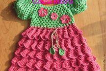 Háčkované šatky a sukničky