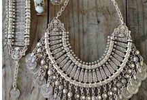 Jewelry!  / Must have pieces