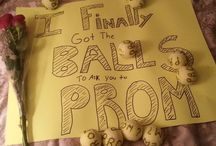 Ways to Ask Someone To Prom / by Kaitlyn Stradtmann