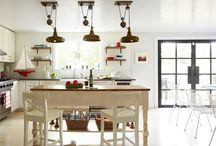Lighting Trends / Give your kitchen the ambiance and final look to match your kitchen design.