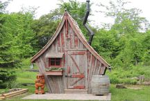 Tiny House / by Florence Bazin