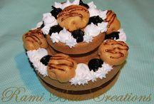 Rami Bau Creations / Cake Boxes, bijoux ........ tutto handmade  Facebook : https://www.facebook.com/pages/Rami-Bau-Creations/245004142221450