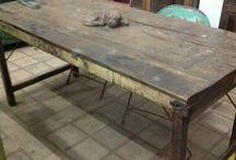 Oude vintage tafels