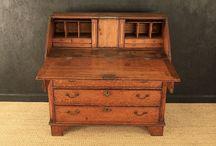 Antique Desks & Bureaux