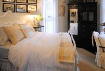 Let's Decorate a Bedroom / by LaurieAnna's Vintage Home