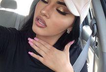 Maquillaje dorafo