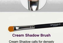 Younique brushes