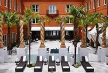 Savannah Hotels and B&Bs / Visit Savannah Law School soon!