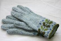 gloves / by Barbara Mattioli