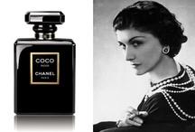 """Keep calm and wear black / Parfumuri care isi """"scriu"""" secretele pe piele."""