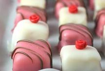 Desserts: Petit fours