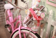 """MG Photo Stuff We Love / A place for the """"Maggie's group"""" girls to share props, photo gear, software, pretty camera bags, and other photo stuff we love!"""