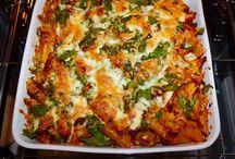 Mostaccioli / #mostaccioli #italianfood #food #streetfood #food #slowfood #italy Kilka zdjęć przedstawiających przygotowanie pysznego, włoskiego Mostaccioli. Zobacz pełny przepis na http://www.zgara.pl/2016/10/25/mostaccioli-ze-swieza-pietruszka-i-bazylia/