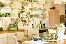 DECOR: Farmhouse chic / Rustic, French and shabs.