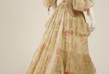 昔のドレス