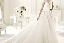 Wedding Dresses / by Leen Najjar