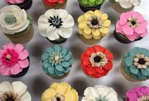 Online Cake Classes / Check out our Online School of Decorating on our website www.whiteflowercake.com for in depth tutorials on how to use buttercream frosting! We teach flowers, writing, piping and more-Thousands of students have enrolled, check out our promo videos on YouTube