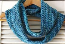 Knitted Cowls & Hats / Patterns that have me itching to dig into my yarn stash and pick up my needles!