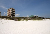 Beach House rental options / by Lindsey Griffith Caswell