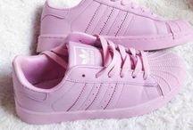 tenis y zapatos