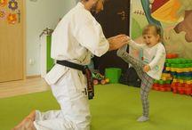 Nauka Karate w Przedszkolu Motylek / Przedstawiamy zdjęcia z zajęć karate dla przedszkolaków z filii przy ul. Bociana w Krakowie.