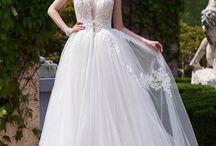 Vestidos de Noivas / Os mais lindos vestidos de noivas estão nesta pasta. Veja e se apaixone ♥
