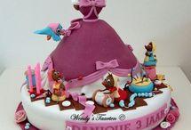 Cakes & Cupcakes ♥ / by Tami Clanton