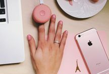 DIY Gel Nails / Tips for gorgeous gel nails at home.  Le Mini Macaron gel manicure kits empowers you to polish salon quality nails.
