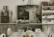 Cottage Style Dining rooms / Cottage style dining rooms, be it farmhouse style, shabby cottage chic, or french cottage...I love them all!