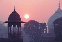 Taj Mahal / Una mañana de niebla en el Taj .- Fotos subidas en baja resolucion si os interesan podeis contactarme .-