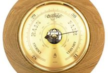 Timber-Treasures Cinderford Oak barometer large / Perfect for predicting the coming weather, each of these quality brass barometers is inserted into a hand turned frame of Oak from Cinderford, Gloucestershire, UK. High quality brass barometer mechanism from Germany that works continuously without the need for batteries. Dimensions: 21 x 21 x 4 cms* *handmade disclaimer Lifetime Warranty
