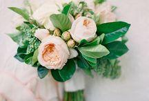 Wedding Florals / by Whitney Schultz