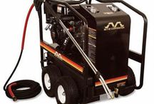 Top Professional Hot Gas Pressure Washers / The pressure washers experts at Pressure Washers Direct have created a list of their recommended professional hot gas pressure washers to help consumers.