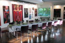 Elvira Bach Performance Dinner / Das Elvira Bach Performance Dinner fand im Juni im Plenarsaal des Rathauses Kelkheim statt. Das Menü beschäftigte sich mit der Bildwelt der in Berlin lebenden Künstlerin. Für eine detaillierte Beschreibung gibt es hier den Link zum Blog: http://rolfcooks.blogspot.de