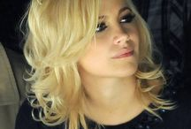 Medium Length Blonde Hairstyles for Women