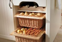 Kitchens / by Olivia Hier
