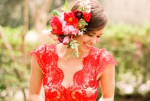 Accessories - flowers in her hair / by English Wedding Blog