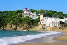 Catalan Coast & Villages, Spain / The contrasting charms of unspoiled Catalonia are impossible to resist. The coastline reveals hidden coves and sandy beaches where you can relax and cycle well away from the crowds, while inland, the Empordà Plain, south of the River Ter, is a beguiling patchwork of medieval farms, ancient villages, fields of sunflowers and vineyards. http://goo.gl/0Gbu58 / by Inntravel