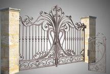 Porți metalice / Poarta este primul element pe care îl observă orice vizitator. Aceste elemente fac trecerea de la spațiul privat la cel public și au o mare influență asupra ambelor zone. Poarta trebuie aleasă în așa fel încât să ofere pe de o parte siguranță și protecție, dar și să transmită sentimentul de bun venit vizitatorilor. MESTERESTI a pregătit o gamă variată de modele de porți, confecționate atât din lemn cât și din metal, care să acopere orice fel de gust în materie de design.