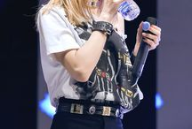 BLACKPINK ♡ / Members; Jisoo, Rose, Jennie, Lisa.  Bias: Rose