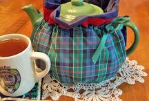 Баба на чайник для Мамы