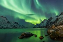 Spektakuläre Nordlichter / Aurora Borealis - ein faszinierendes Naturphänomen, dass man nicht vergessen wird. Wenn sich Islands Himmel von September bis April in schillerndem Grün oder Lila färbt, muss man einfach innehalten und den Moment genießen.