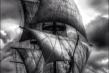 major black white sailing pic