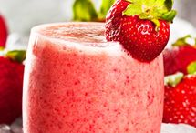 Smoothiet / Terveelliset ja raikkaat smoothiet sopivat hyvin aamiaiseksi, välipalaksi tai kevyeksi iltapalaksi.