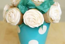 cupcakes & cakepops / by terri's little haven & jenn too
