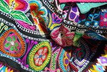 Mantas y colores / Tissus d'amérique du sud, broderies, imprimés ...