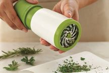 Kitchen Gadgets / The wonders of convenience in the kitchen.