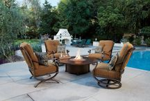 Fire Tables and Pits / Our innovative Fire tables and Pits offer the ultimate in freedom and flexibility. Choose a style that fits your outdoor setting, a size that makes the most sense, a finish that complements your furniture.