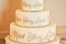 cakes <3 / by Kessa Newey