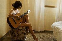 девушки с гитарами